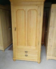 antiker gewachster Schrank mit 2 Schubladen