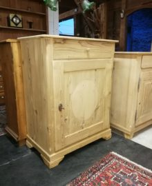 Antikes Biedermeier Schränkli Tannenholz abgelaugt restauriert